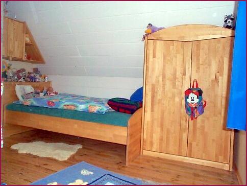 wenig platz f r kinderzimmer mit betten und m beln auf ihre pictures to pin on pinterest. Black Bedroom Furniture Sets. Home Design Ideas